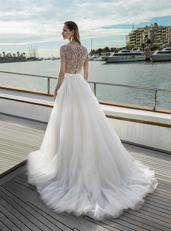 poročni salon Ena in edina, poročne obleke, svetovni dizajni, modni