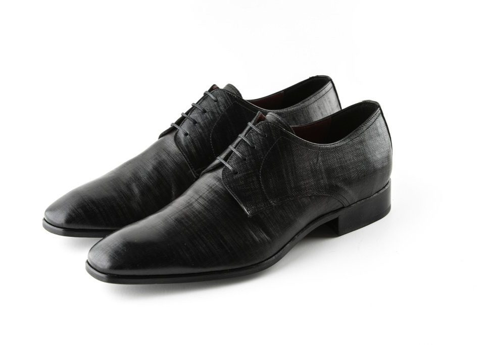 sens poročni čevlji